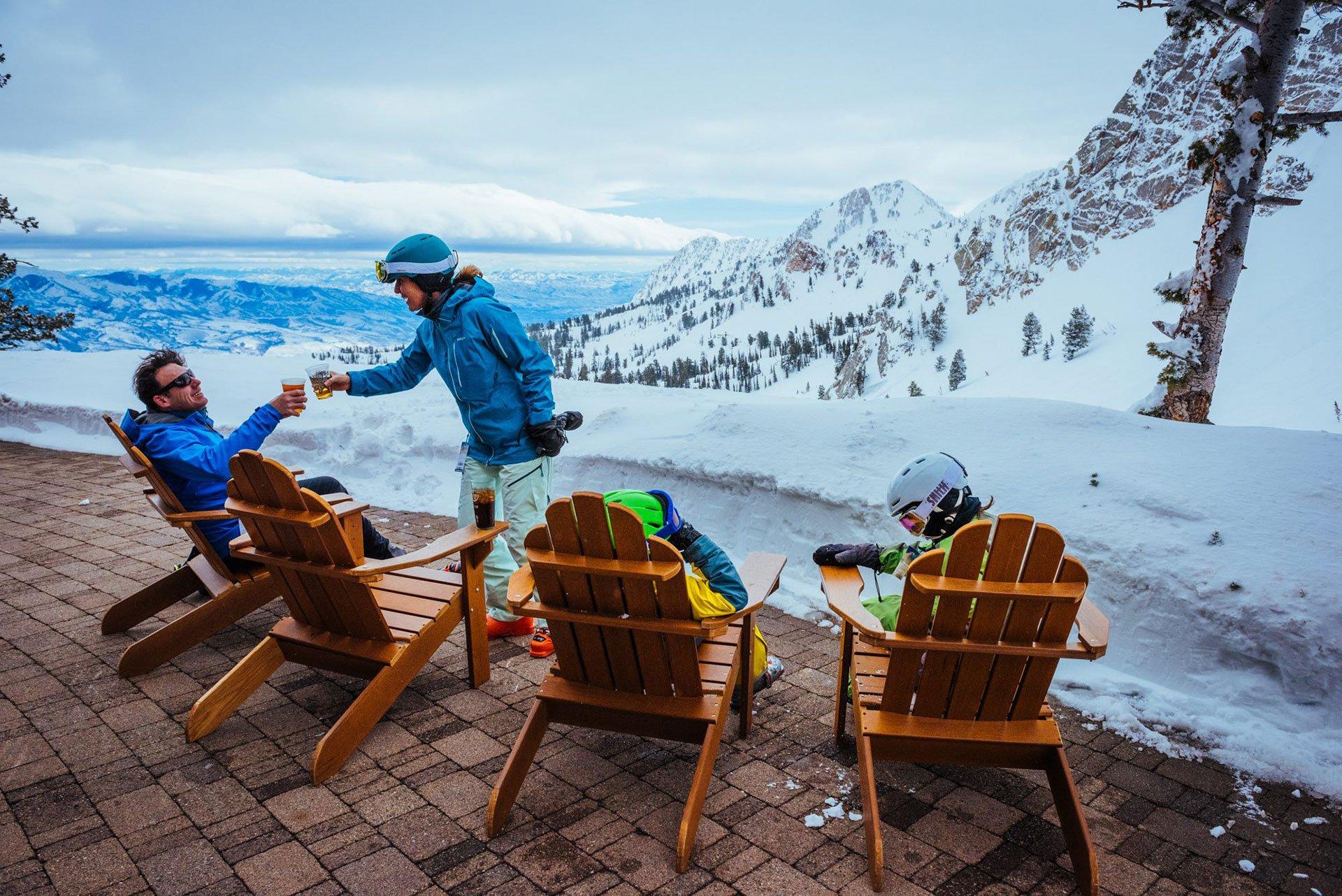 Apres-Ski-Family.jpg