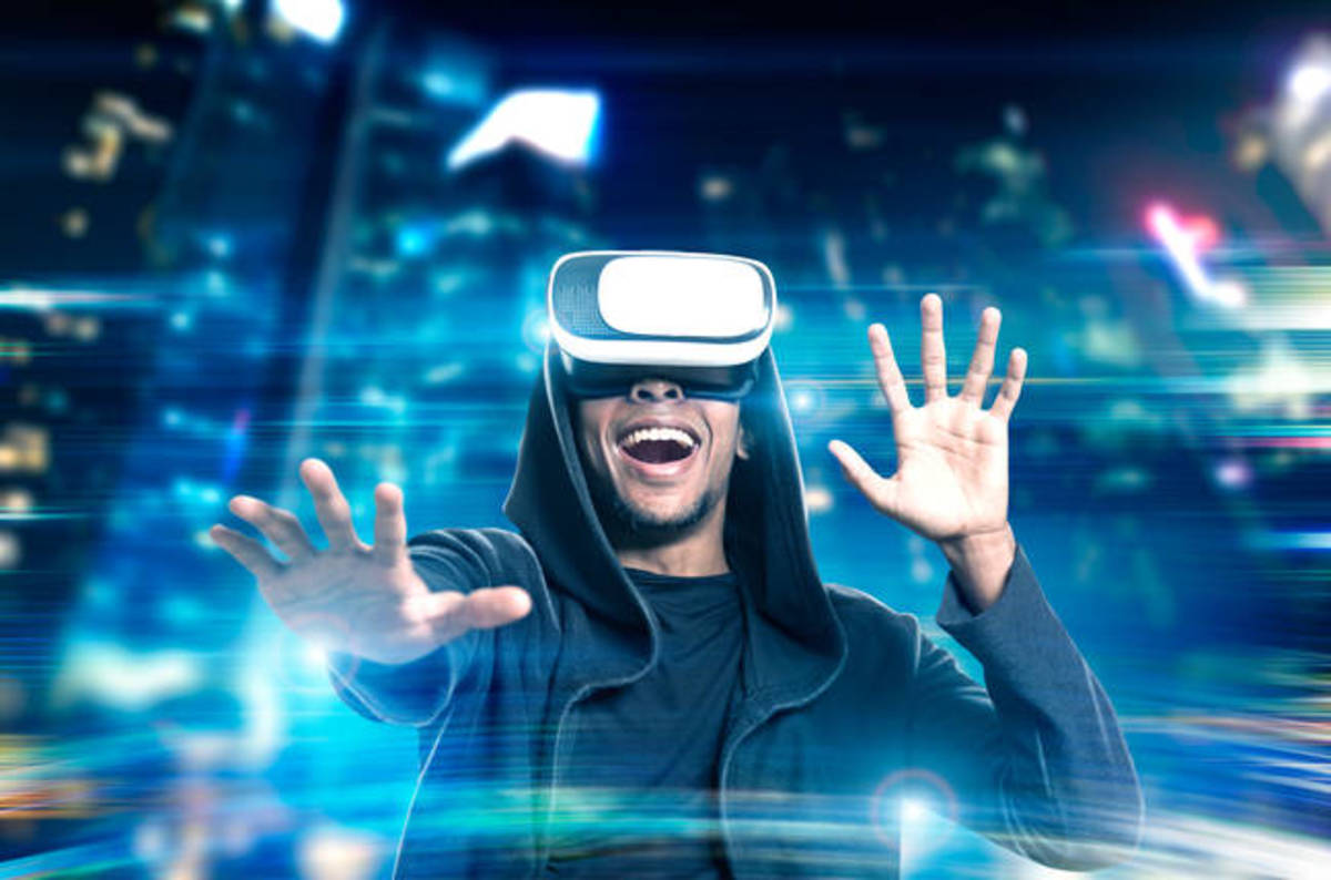 How Virtual Reality is Revolutionizing Sight and Sounds in Stories